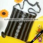 bj00067 Morral bolsa de mano para laptop artesanal negro medida 40×29 cm con pomponesmayoreo fabricante proveedor taller maquilador (1)